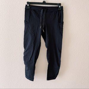 •Lululemon• black cropped leggings with pockets